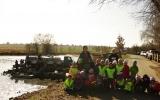 Skupina dětí z MŠ Jahoda při výlovu