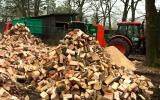 dřevo k prodeji