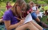 své zážitky děti zapisují do táborového deníku
