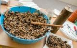 Krmná směs pro ptactvo do malých krmítek k zavěšení