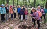 Děti si vyzkoušely sázení stromů