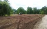 Příprava nových travnatých ploch ve Stromovce